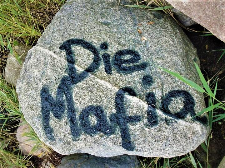 """Die Mafia am """"Weg der Wörter"""""""